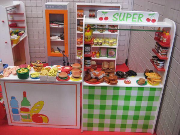 Tamba parques infantiles otros elementos y atracciones for Decoracion de supermercados